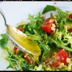 Ensalada verde con vinagreta de albahaca