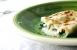 Canelones de espinacas, salchichas y feta
