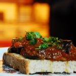 Berenjenas en salsa de tomate y ajo