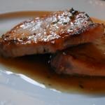 Lomo con salsa de anchoas y limón