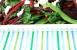 Ensalada de judías verdes, remolacha con sus hojas y queso de cabra