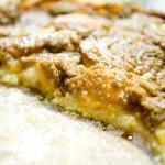 Pastel de manzana y crema fresca