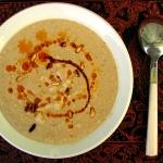 (Español) Sopa de coliflor con especias y piñones