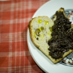 Pat de aceitunas negras e higos secos