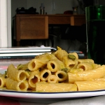 Pasta con puerro y anchoas