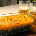 Pastel de carne, acelgas y puré de boniato