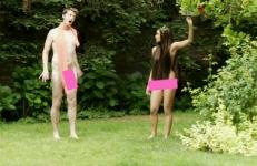 (Español) Eva, la manzana y el amigo gay descarado
