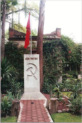 La tumba de Leon Trotsky en México