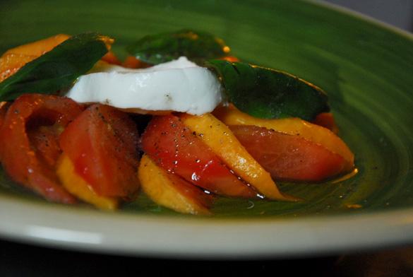 ensalada-tomate-melocoton-queso