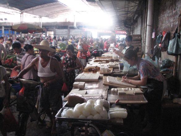 mercado yangshuo